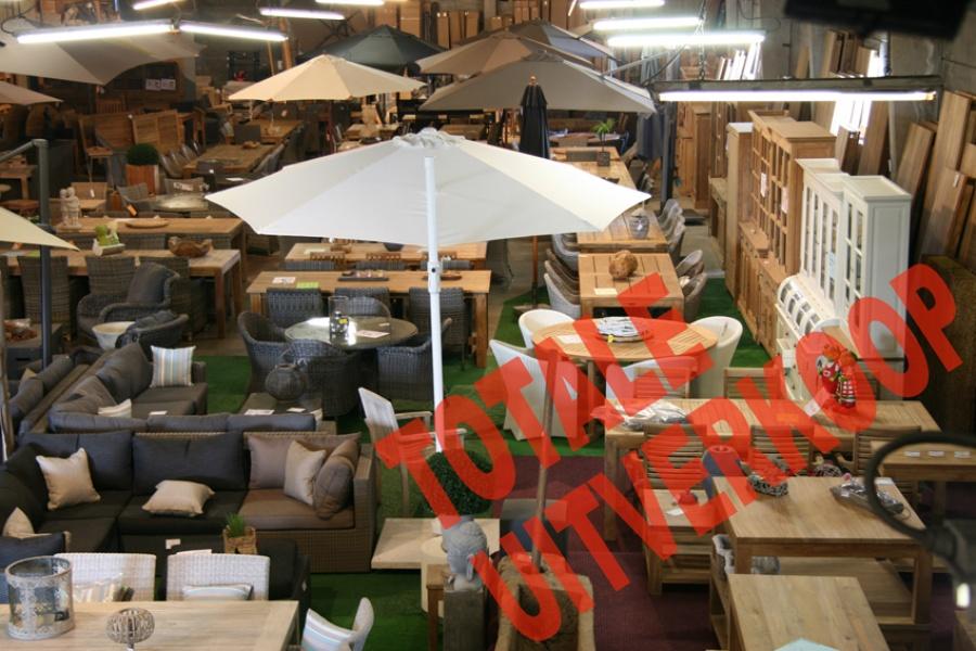 Totale uitverkoop meubelen decoratie voor binnen en buiten for Uitverkoop meubelen