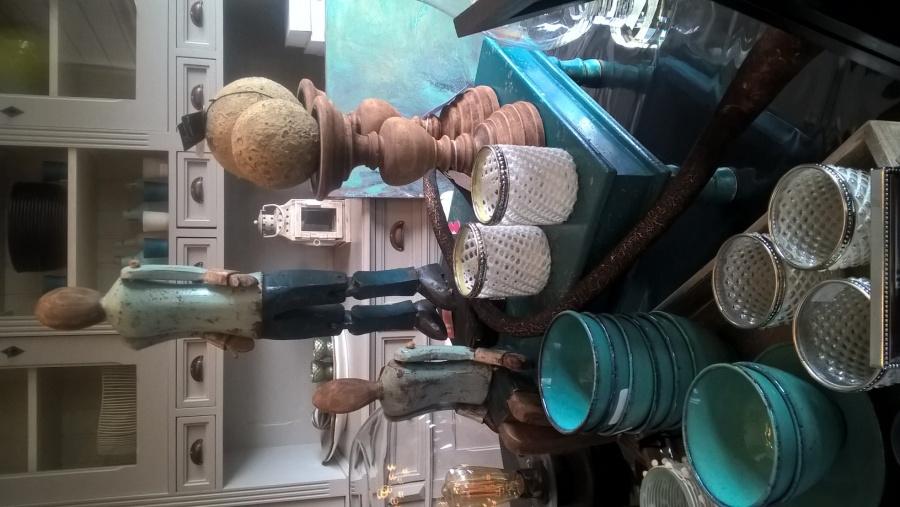 b181ec819c0 ... alles van decoratie - kussens - verlichting - kleinmeubelen - zeteltjes  - tapijten enz ... Adres:Camiel Huysmansstraat 2 9150 Kruibeke - Oost- Vlaanderen