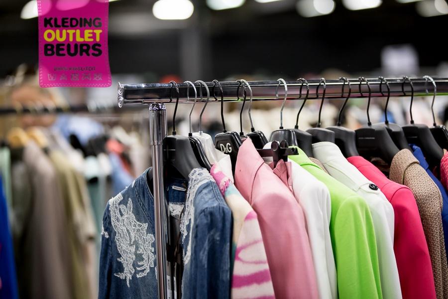 5ea2392d4a0db4 Ook in 2018 1x in de Expohallen te Roeselare  De Kleding Outlet Beurs! Meer  dan 65 exposanten verkopen er hun merkkleding tegen zeer voordelige prijzen  .