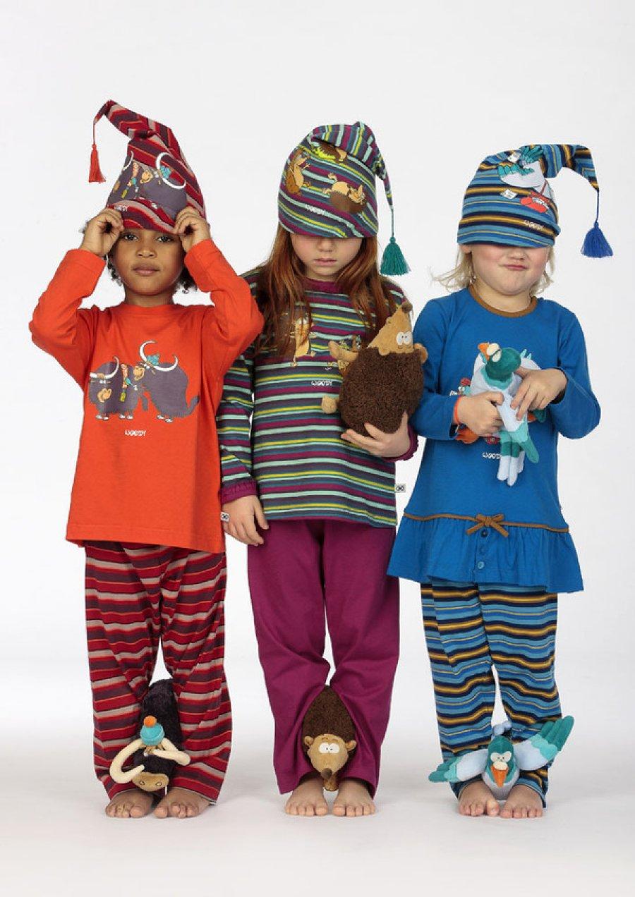 Bekijk onze kinderkleding, inclusief playsuits, ballerina's en vrolijke haarspeldjes en diademen. Oudere meisjes van jaar kunnen kiezen uit soepele jersey jurken, slim-fit jeans en luchtige tops.
